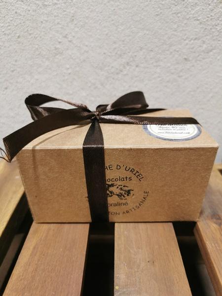 Ballotin de pralinés avec enrobage chocolat noir